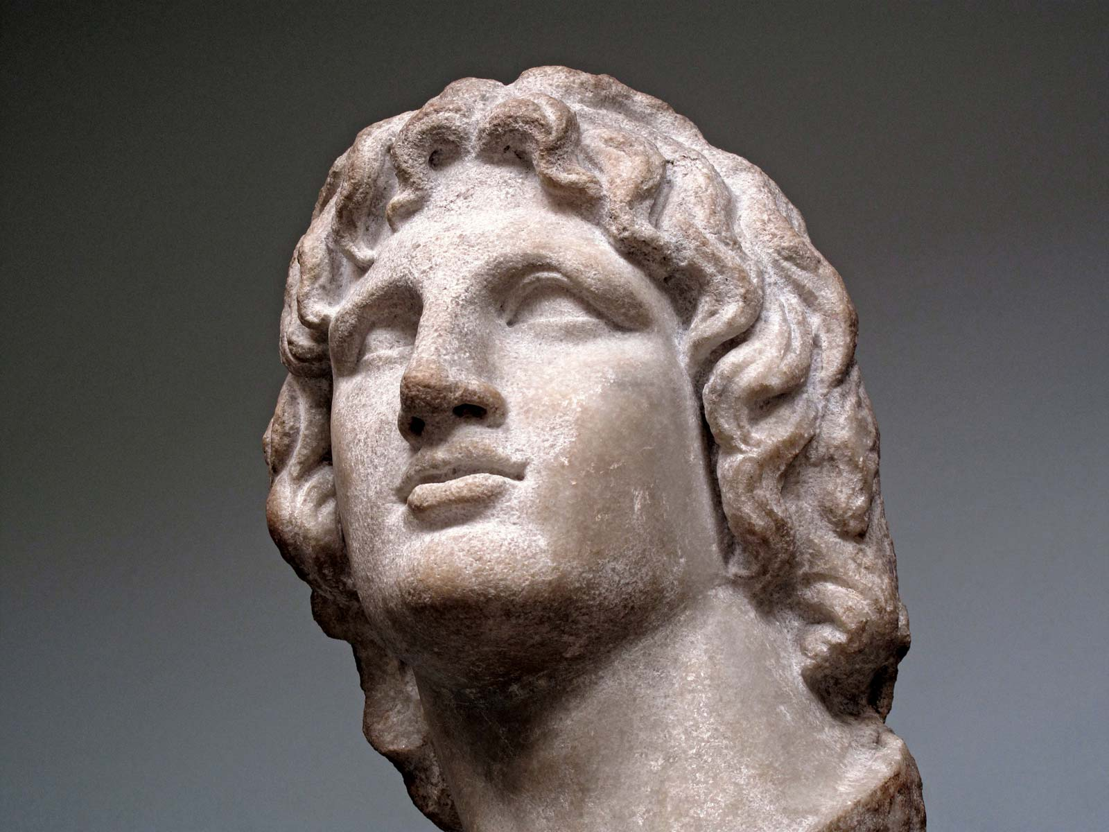 Alexander-the-Great-marble-bust-British-Museum