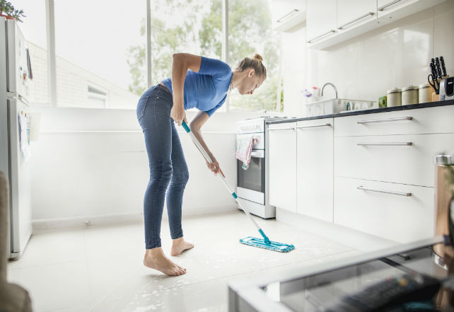 233608-2121x1414-cleaning-the-kitchen-floor